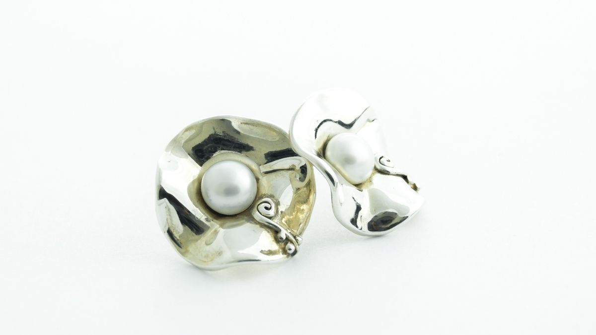 Silver Hagit Gorali handmade pearl earrings, necklace and ring set in Ipswich, Suffolk