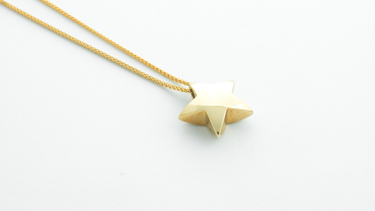 9ct yellow gold handmade star pendant in Ipswich, Suffolk