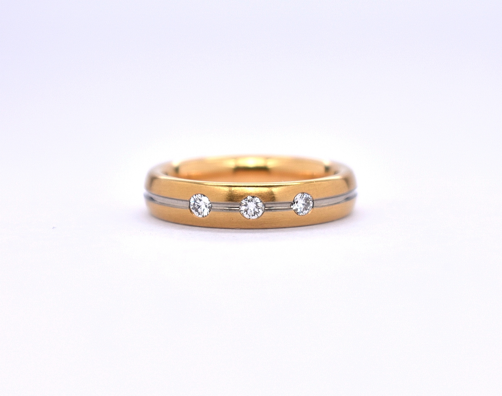 18ct yellow and white gold ladies Gerstner court wedding ring with 3 diamonds in Ipswich, Suffolk, East Anglia