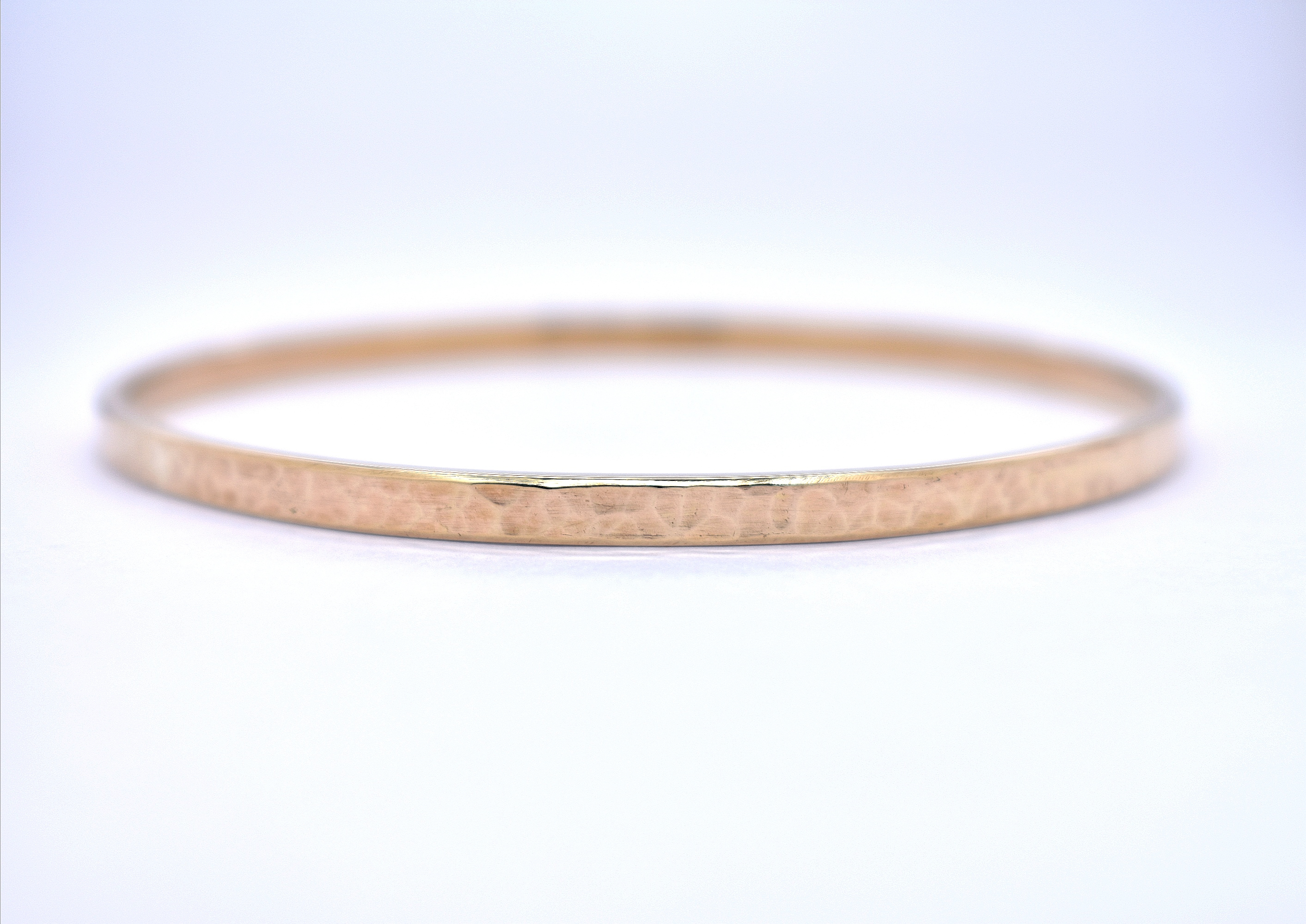 9ct yellow gold hammered bangle in Ipswich, Suffolk
