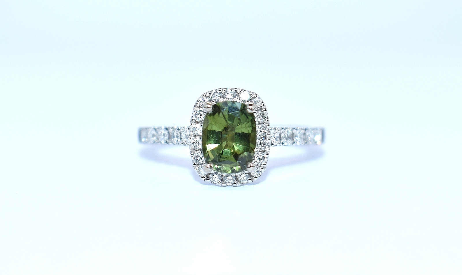 18ct white gold green sapphire and diamond ring ipswich suffolk