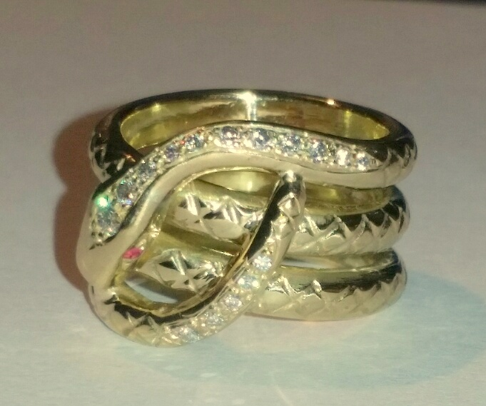 9ct gold snake ring