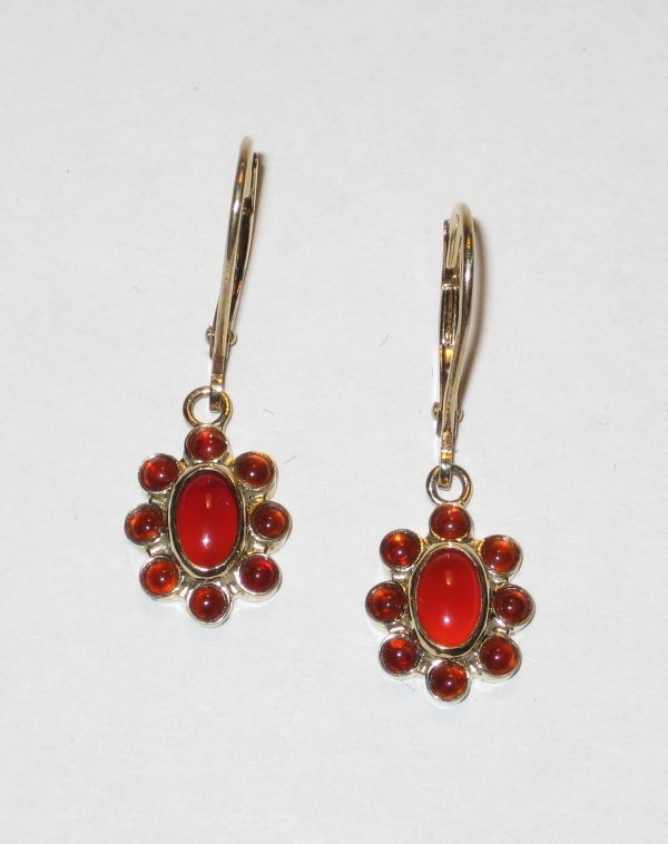 9CT GOLD CARNELIAN CLUSTER DROPS